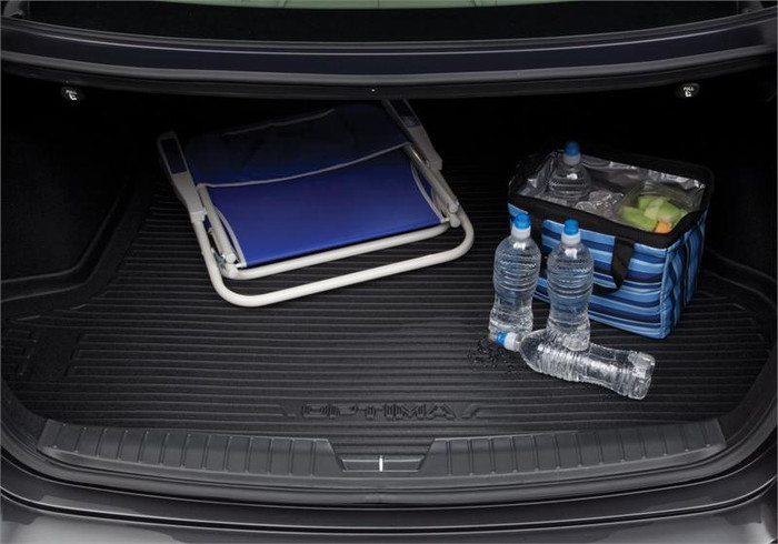 Kia Optima Hybrid Rubber Cargo Tray (D082)