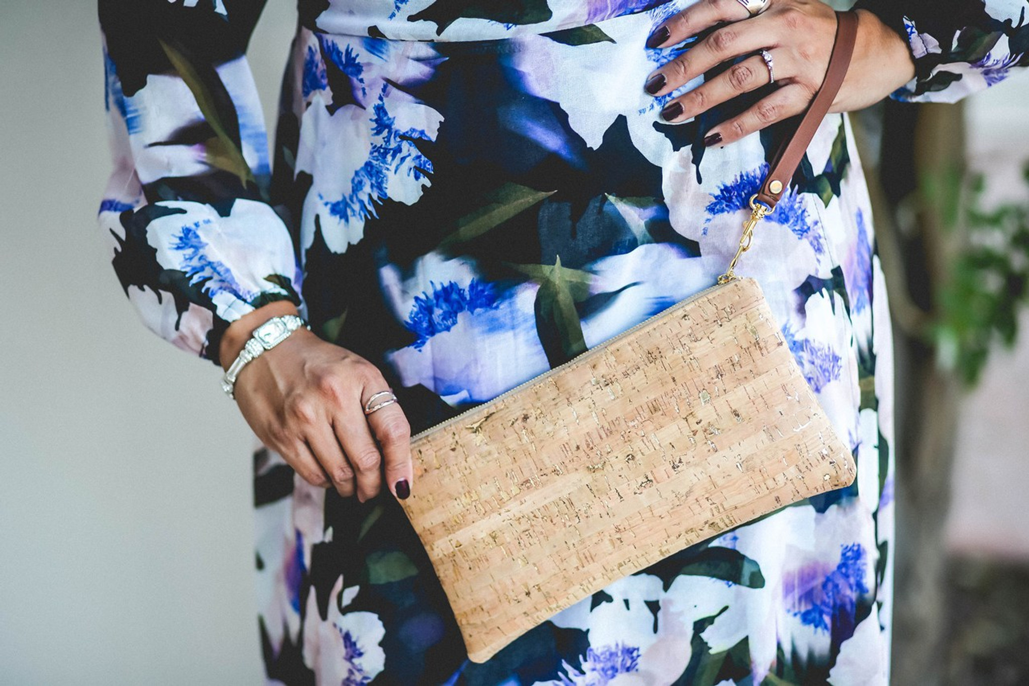 Wristlet in Cork Dash Gold