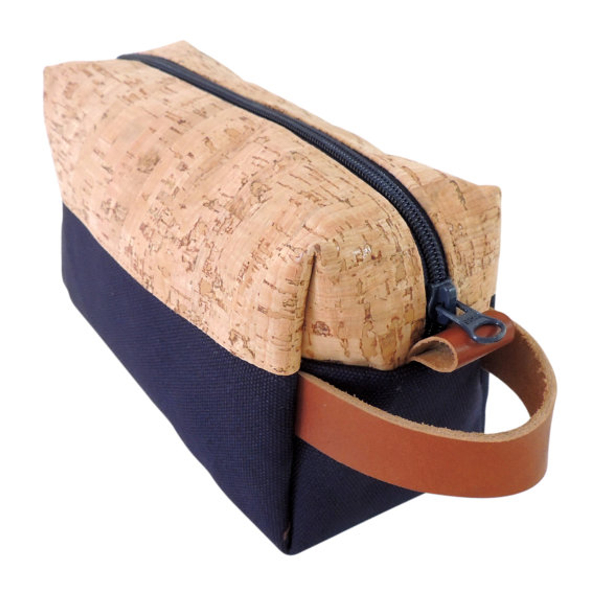 Dopp Kit in Cork Dash and Navy
