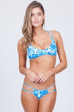 2017 FRANKIES BIKINIS Kaia Top in Blue Dahlia