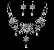 Gorgeous Couture Swarovski Crystal Bridal Wedding Prom Earrings Necklace Set  WS1025