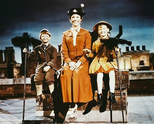 This is an image of 210357 Julie Andrews Photograph & Poster