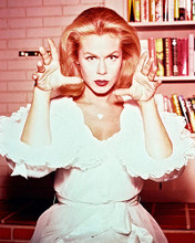 This is an image of 234664 Elizabeth Montgomery Photograph & Poster