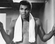 This is an image of 171883 Muhammad Ali Photograph & Poster