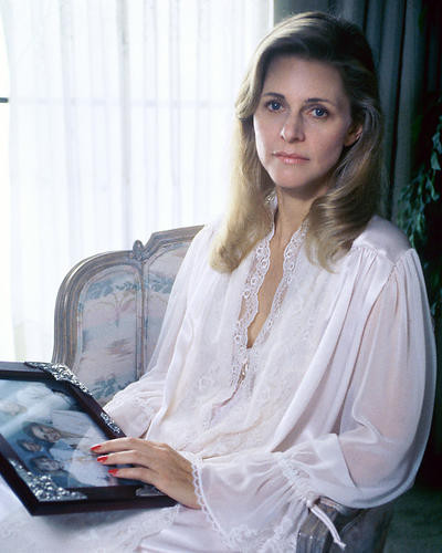 This is an image of 269903 Lindsay Wagner Photograph & Poster