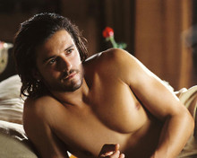 This is an image of 265903 Orlando Bloom Photograph & Poster