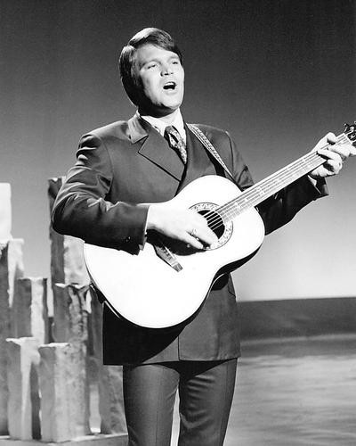 This is an image of 193898 Glen Campbell Photograph & Poster