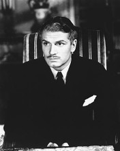 This is an image of 172168 Laurence Olivier Photograph & Poster