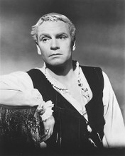 This is an image of 171045 Laurence Olivier Photograph & Poster