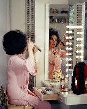 This is an image of Photograph & Poster of Elizabeth Taylor 284439