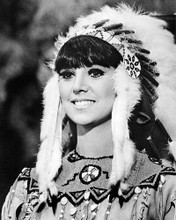 This is an image of Photograph & Poster of Marlo Thomas 194902