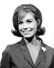 This is an image of Photograph & Poster of Mary Tyler Moore 194973
