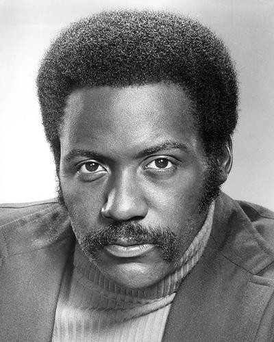 This is an image of Photograph & Poster of Richard Roundtree 195097