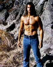 This is an image of Photograph & Poster of Lorenzo Lamas 284620