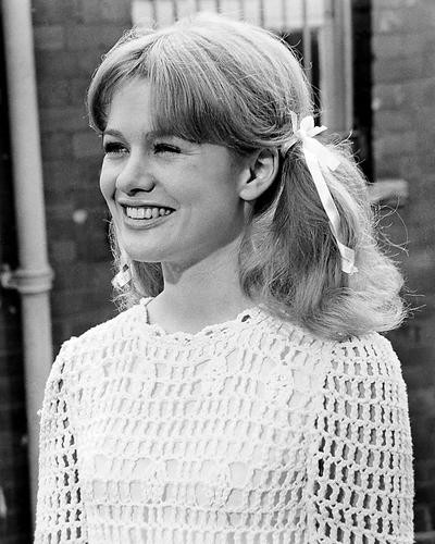 This is an image of Photograph & Poster of Judy Geeson 195143