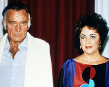 This is an image of Photograph & Poster of Elizabeth Taylor and Richard Burton 284818