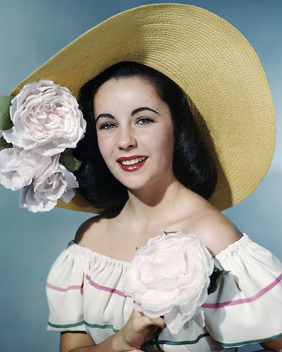 This is an image of Photograph & Poster of Elizabeth Taylor 285340