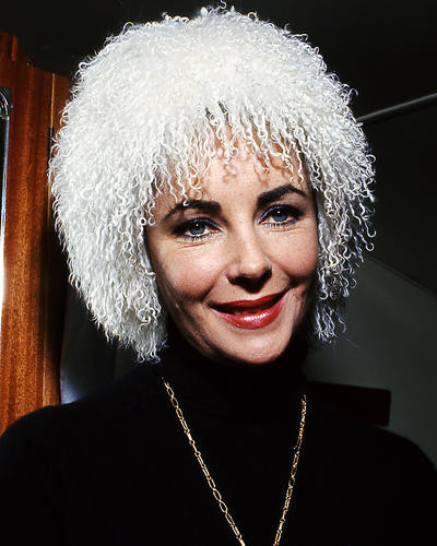 This is an image of Photograph & Poster of Elizabeth Taylor 285345