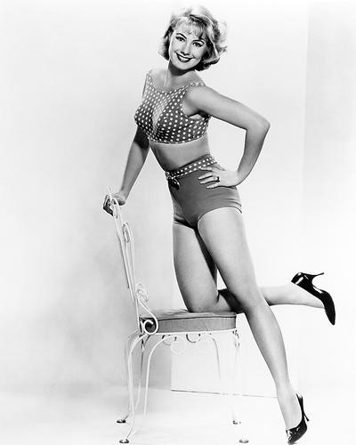 This is an image of Photograph & Poster of Shirley Jones 196491
