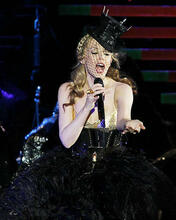 This is an image of Photograph & Poster of Kylie Minogue 285443