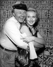 This is an image of Photograph & Poster of Alan Hale Jr 199658