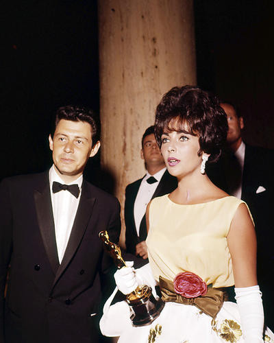 This is an image of Photograph & Poster of Elizabeth Taylor 290818