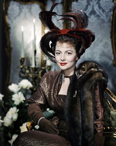 This is an image of Photograph & Poster of Olivia De Havilland 290911