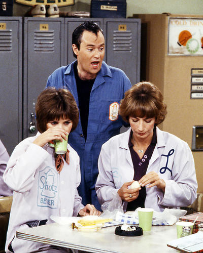 This is an image of Photograph & Poster of Laverne and Shirley 291150
