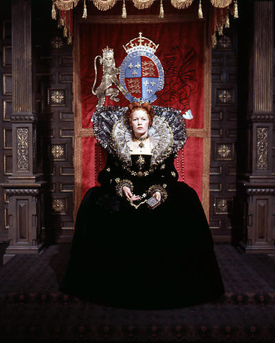 This is an image of Photograph & Poster of Glenda Jackson 291174