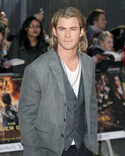 This is an image of Photograph & Poster of Chris Hemsworth 291295