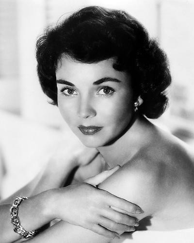 This is an image of Photograph & Poster of Jennifer Jones 199501