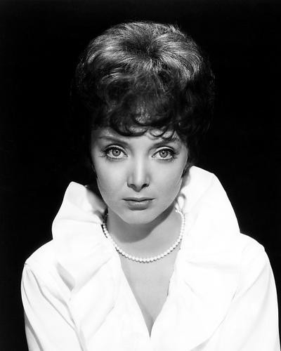 This is an image of Photograph & Poster of Carolyn Jones 199510