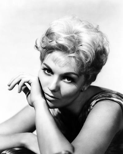 This is an image of Photograph & Poster of Kim Novak 199561
