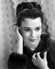 This is an image of Photograph & Poster of Claire Bloom 199573