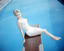 This is an image of Photograph & Poster of Shirley Jones 291432