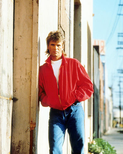 This is an image of Photograph & Poster of Richard Dean Anderson 291738