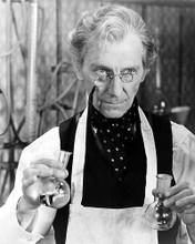 This is an image of Photograph & Poster of Peter Cushing 199757