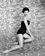 This is an image of Photograph & Poster of Cyd Charisse 199767