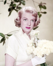 This is an image of Photograph & Poster of Rosemary Clooney 292470