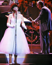 This is an image of Photograph & Poster of Linda Ronstadt 292262