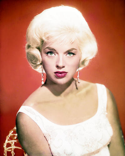 This is an image of Photograph & Poster of Diana Dors 292624