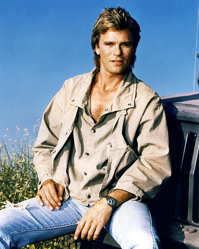 This is an image of Photograph & Poster of Richard Dean Anderson 292833