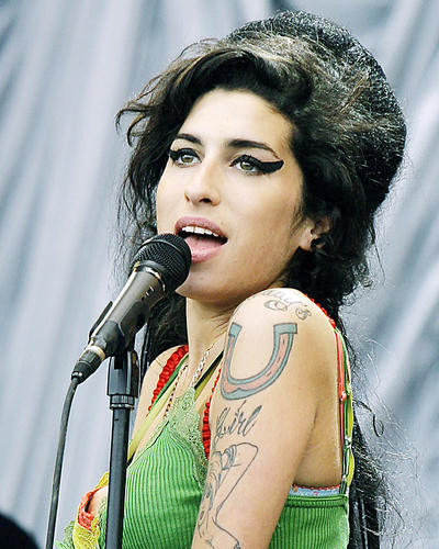 This is an image of Photograph & Poster of Amy Winehouse 293046