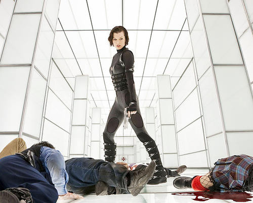 This is an image of Photograph & Poster of Milla Jovovich 293049