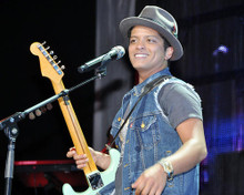 This is an image of Photograph & Poster of Bruno Mars 293159