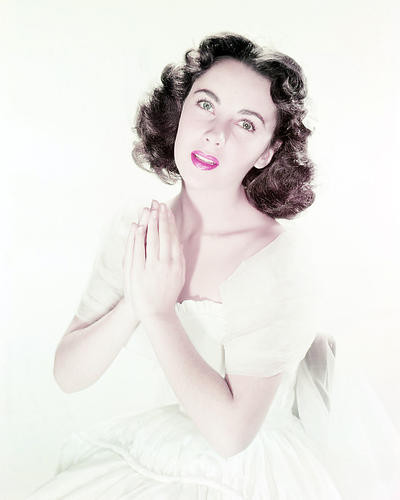 This is an image of Photograph & Poster of Elizabeth Taylor 293480