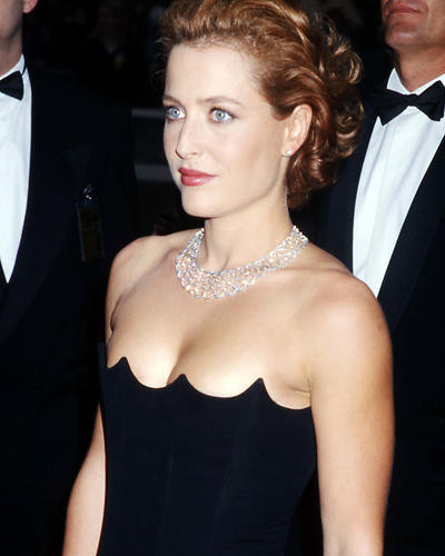This is an image of Photograph & Poster of Gillian Anderson 293648