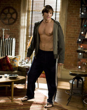 This is an image of Photograph & Poster of Ashton Kutcher 280183