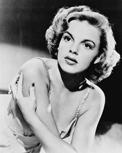 This is an image of Photograph & Poster of Judy Garland 170125