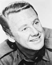 This is an image of Photograph & Poster of Van Johnson 167405